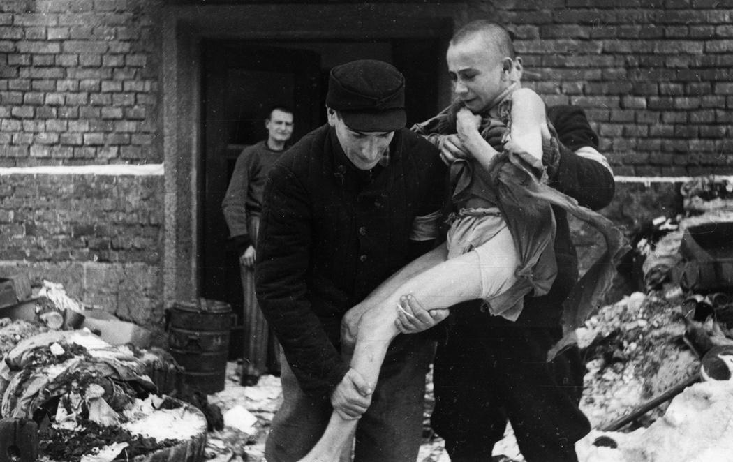 Polonia conmemora el 72º aniversario de la liberación de Auschwitz
