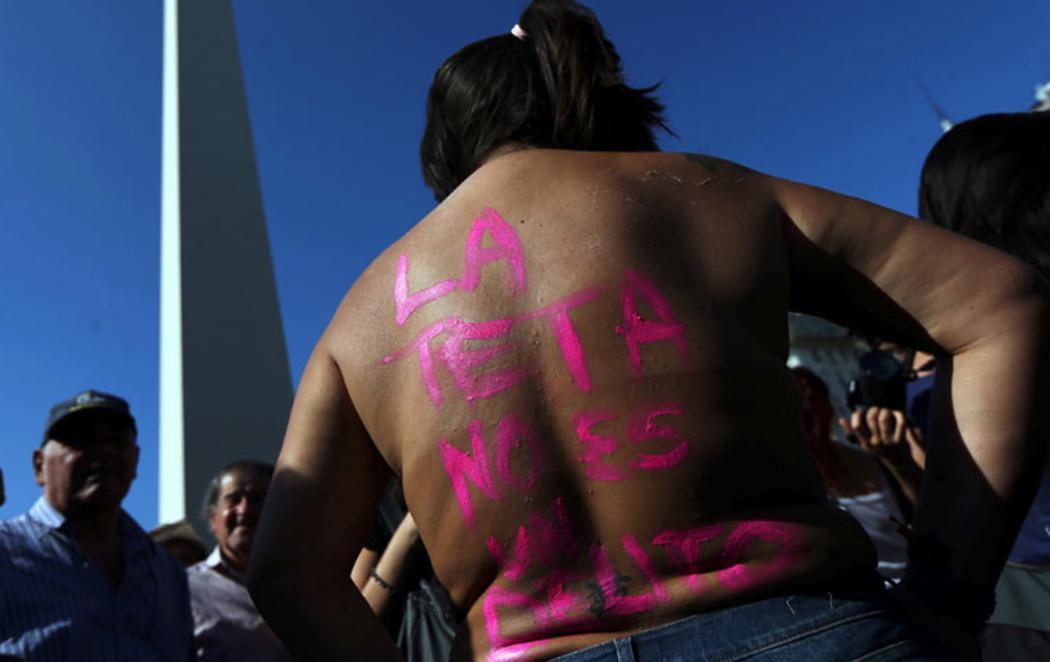 Argentina se levanta contra la prohibición del topless