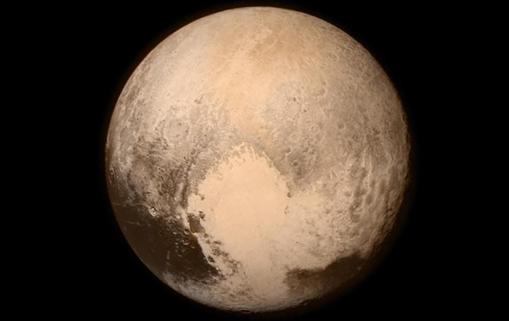 Científicos afirman que Plutón debería volver a ser planeta