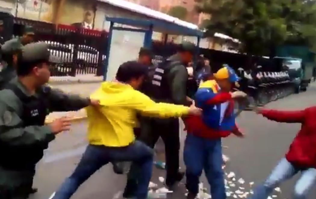 Tensión en las calles de Caracas entre acusaciones de Golpe de Estado