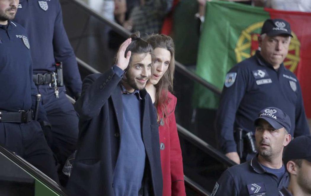 Salvador Sobral, recibido como un héroe en Portugal