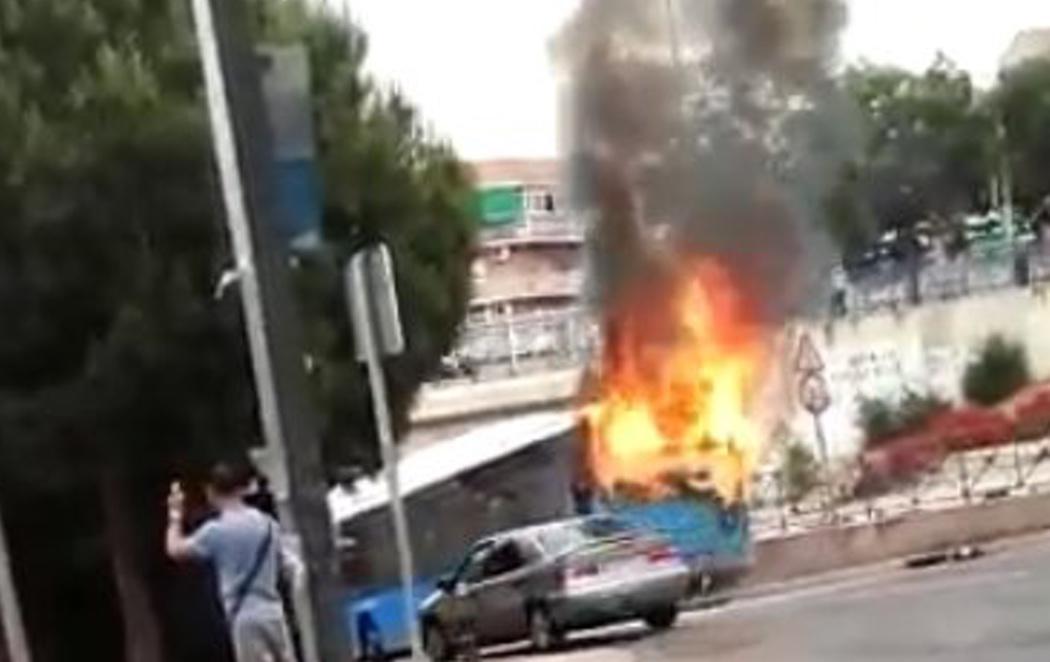 Explosiona un autobús en Madrid