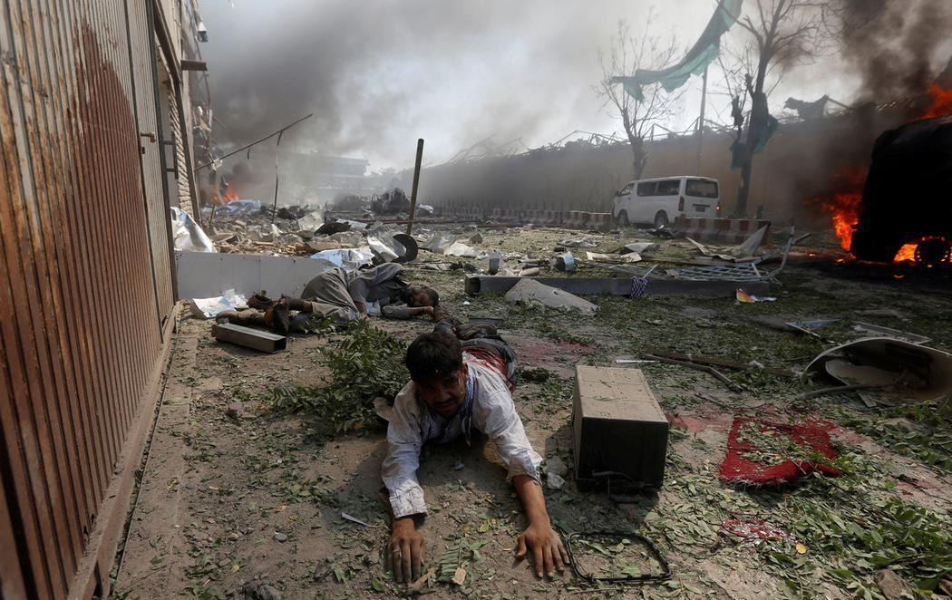 Un atentado terrorista deja 80 muertos y 350 heridos en Kabul