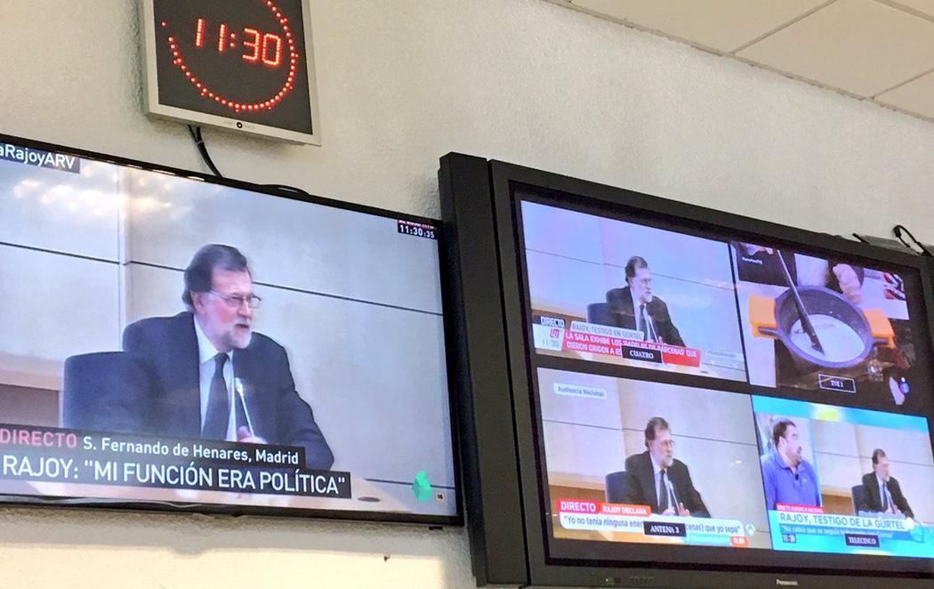 TVE emite una receta de bechamel mientras el presidente declara por la corrupción
