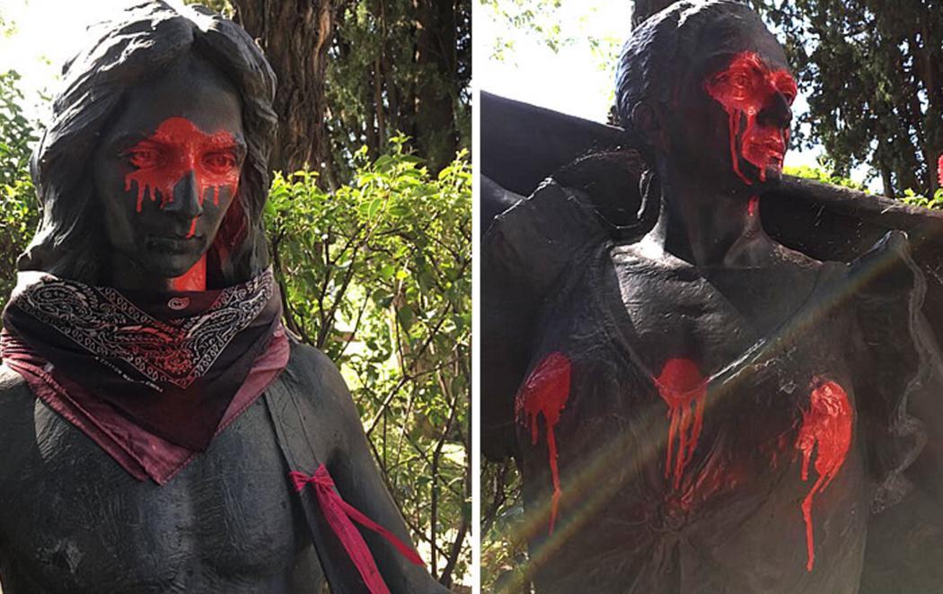 Profanan las estatuas de Antonio y Lola Flores en el Cementerio de La Almudena