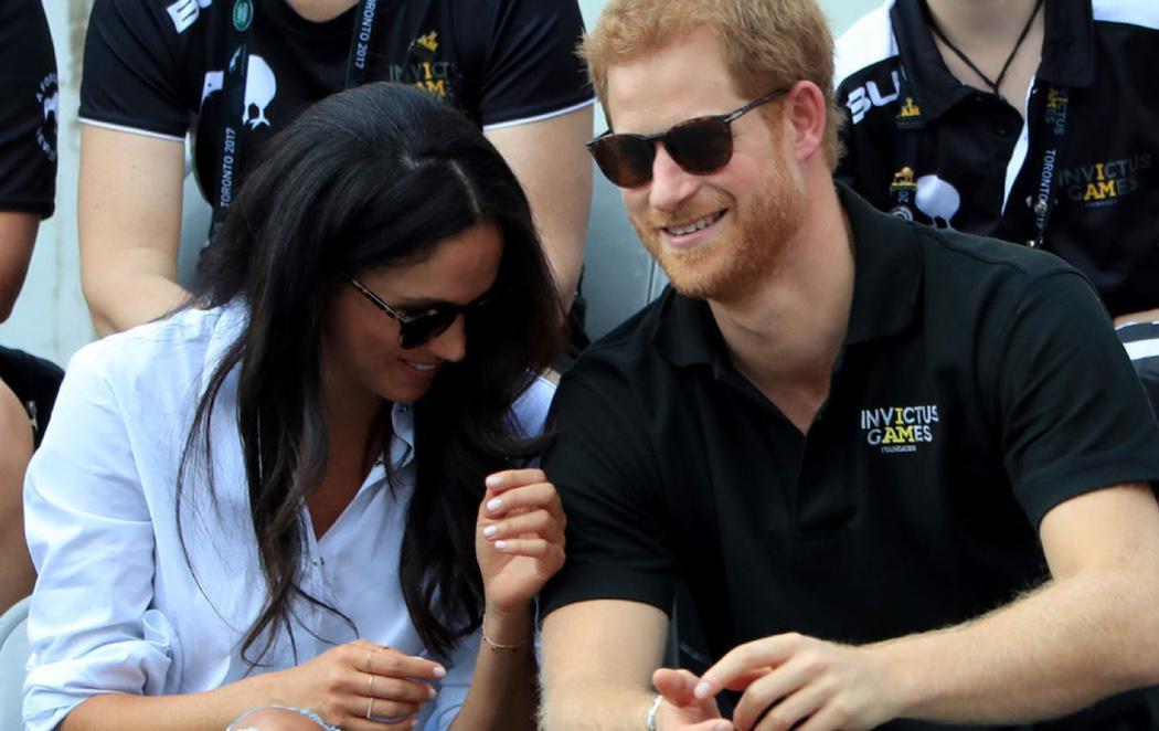 La complicidad del Príncipe Harry y Meghan Markle en su primera aparición pública
