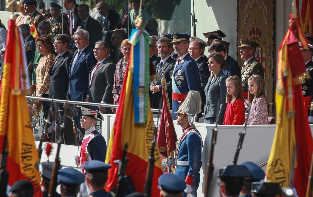 Los reyes presiden el desfile del Día de la Hispanidad en pleno desafío soberanista catalán