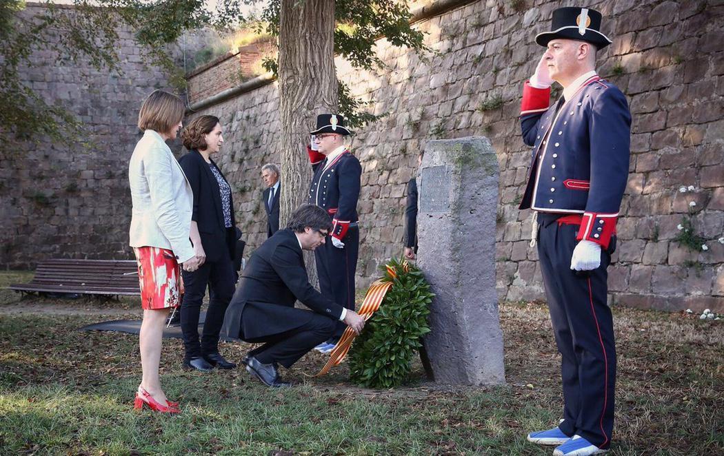 Puigdemont, Forcadell y Colau rinden homenaje a Companys en el 77º aniversario de su fusilamiento