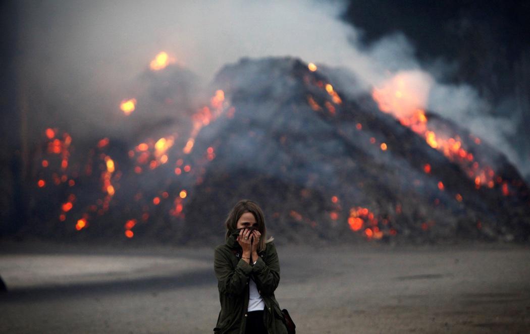Cuatro personas mueren en los incendios que arrasan Galicia