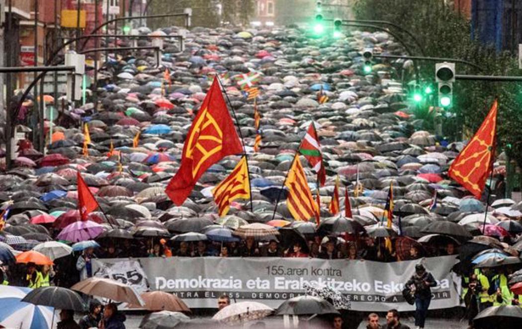 Multitudinaria manifestación en el País Vasco a favor de la autodeterminación