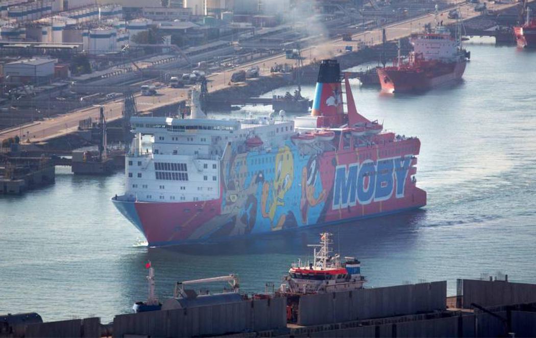 El barco 'Piolín' se marcha de Barcelona tras un mes y medio