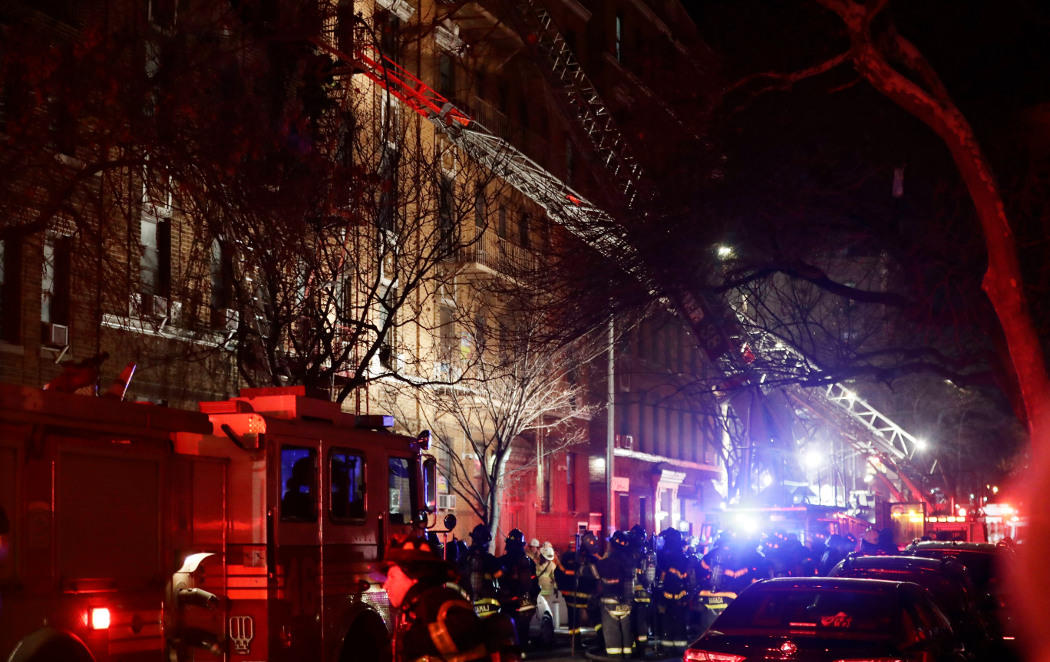 Un incendio en el Bronx deja al menos 12 muertos, entre ellos un bebé