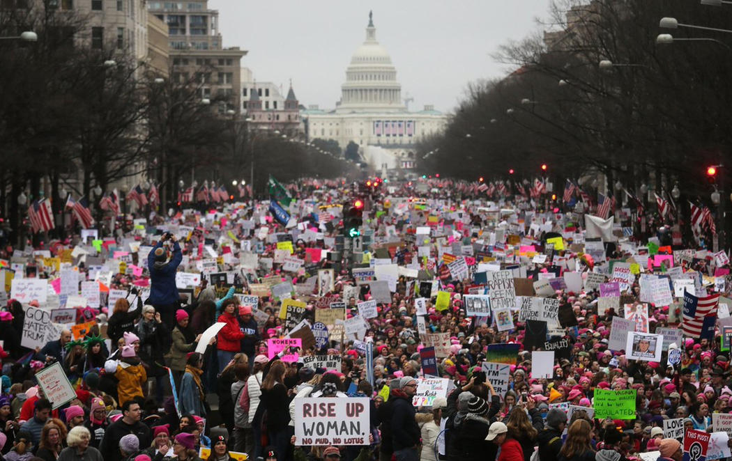 La Marcha de las Mujeres toma las calles cuando se cumple un año del gobierno de Trump