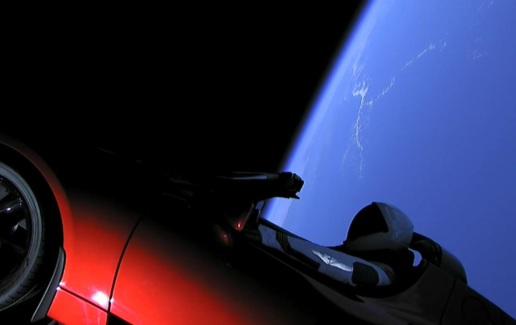 Falcon Heavy: el cohete fan de Bowie ya está en el espacio