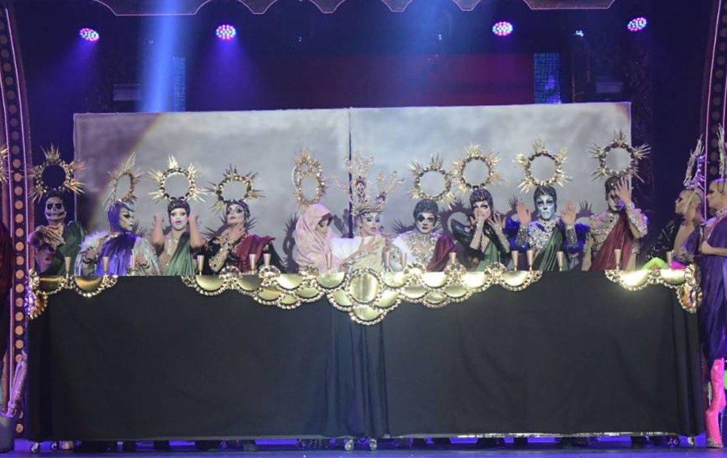 Drag Sethlas vuelve a vestirse de Virgen y escenifica 'La última cena'  en la Gala Drag Queen de Las Palmas
