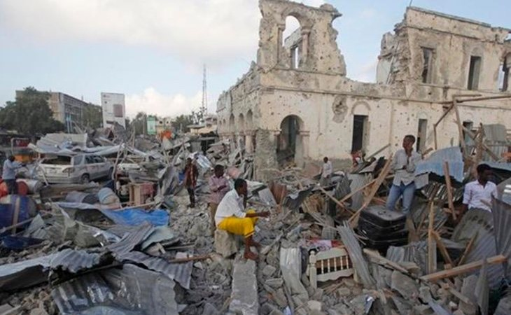 Al menos 45 muertos y 36 heridos en un doble atentado del Daesh en Somalia