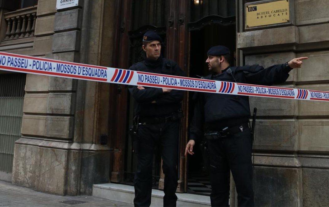 La Guardia Civil registra el Palau de la Generalitat en busca de archivos sobre la financiación del 1-O