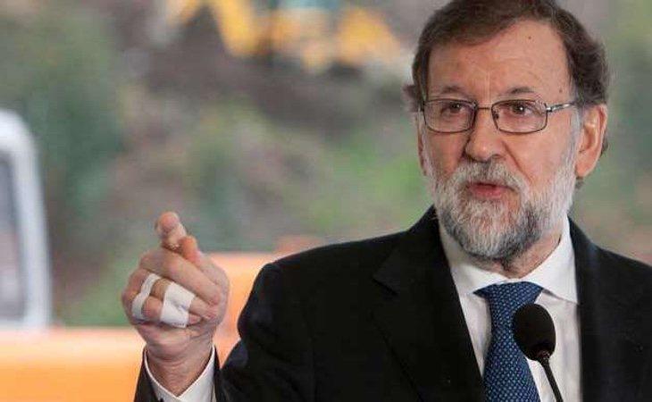 """Rajoy se parte la falange: """"No se lo digáis a nadie"""""""