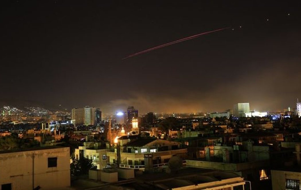 EEUU, Reino Unido y Francia atacan  Siria con misiles