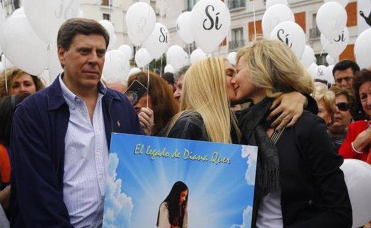 Los padres de Diana Quer, Sandra Palo y Mari Luz encabezan la marcha por la prisión permanente revisable