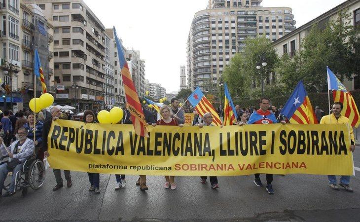 ERC y la CUP se trasladan a Valencia para independizar la autonomía del resto de España