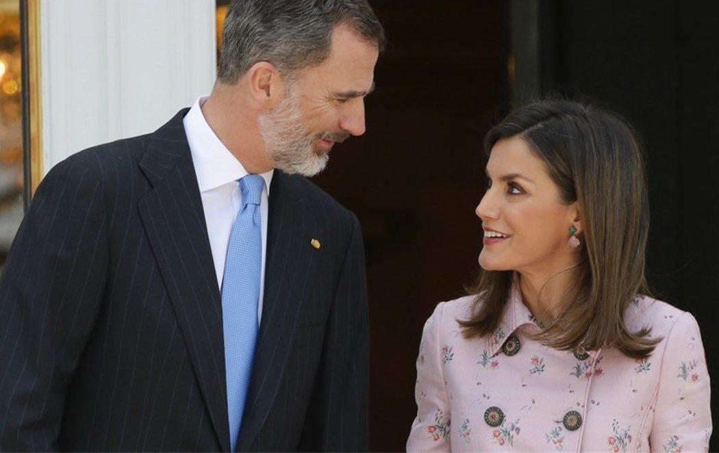 Gestos de cariño entre los reyes Felipe y Letizia para silenciar los rumores de divorcio
