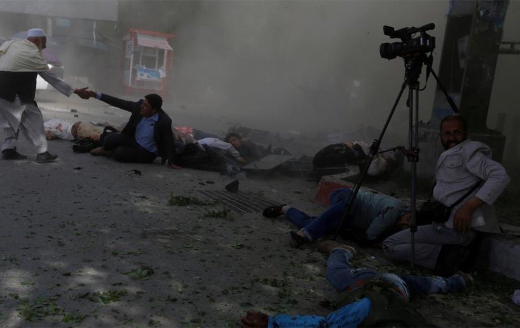 Un doble atentado en Kabul deja al menos 29 muertos, 9 de ellos periodistas