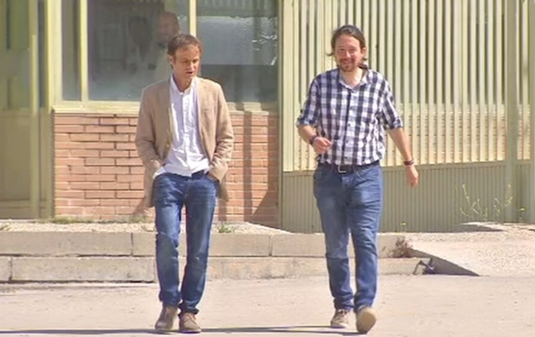 Pablo Iglesias visita en la cárcel a Jordi Cuixart y Jordi Sánchez