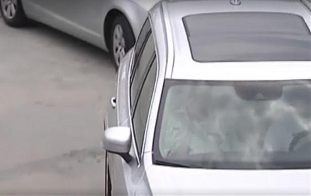 Juan Carlos I reaparece tras el escándalo de Corinna y permanece una hora en el coche para no dar la cara