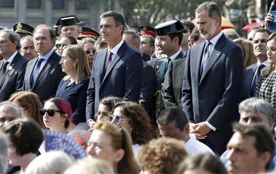 Homenaje politizado en Barcelona a las víctimas de los atentados del 17A