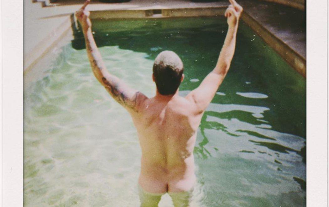 El provocativo desnudo de Dani Martín con el que se despide del verano