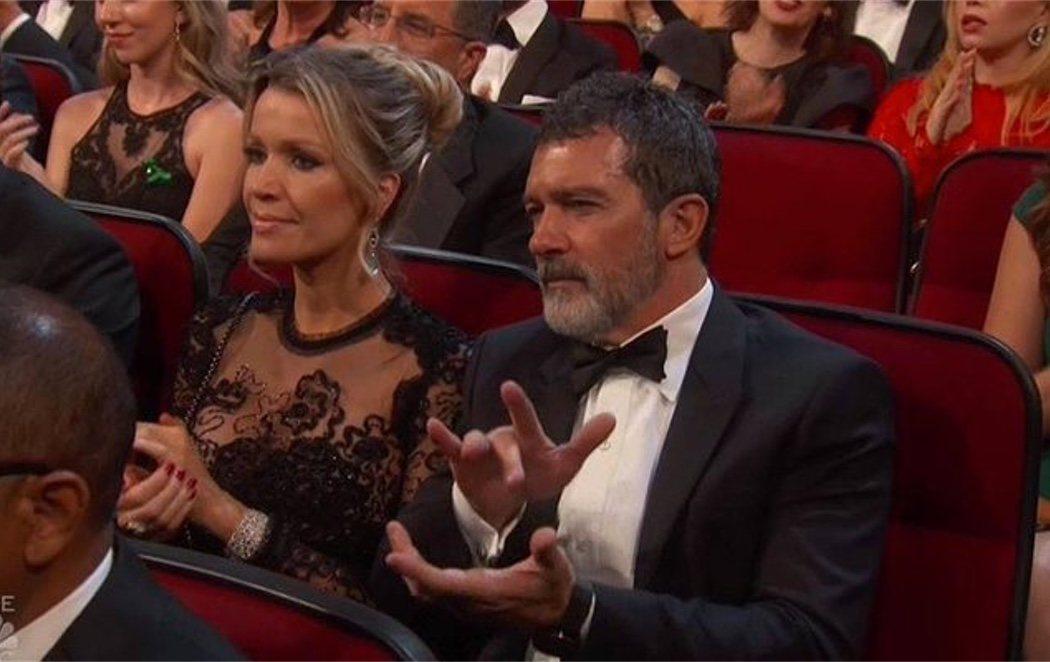 Antonio Banderas se hace viral por un aplauso muy flamenco en los Emmys 2018