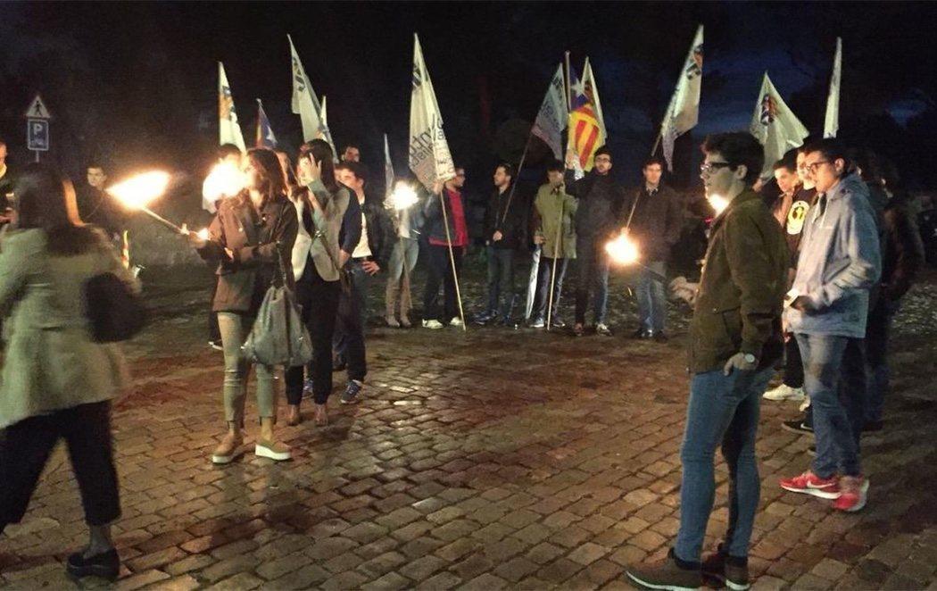 ERC y PDeCAT homenajean al expresidente Companys con una marcha con antorchas