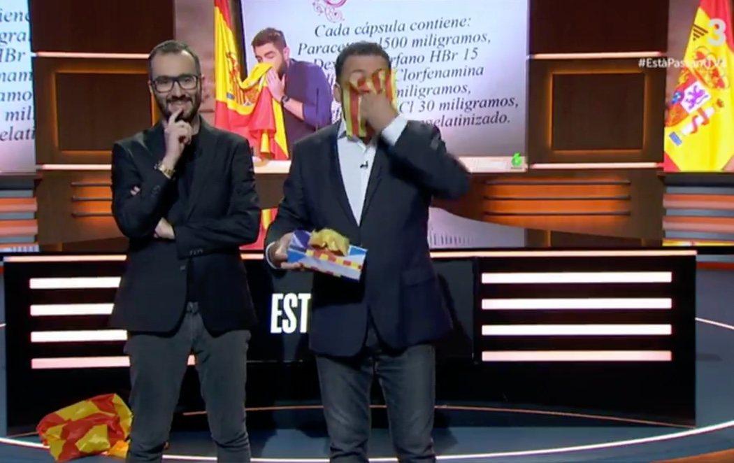 Un presentador de TV3 se limpia los mocos con la senyera en apoyo a Dani Mateo