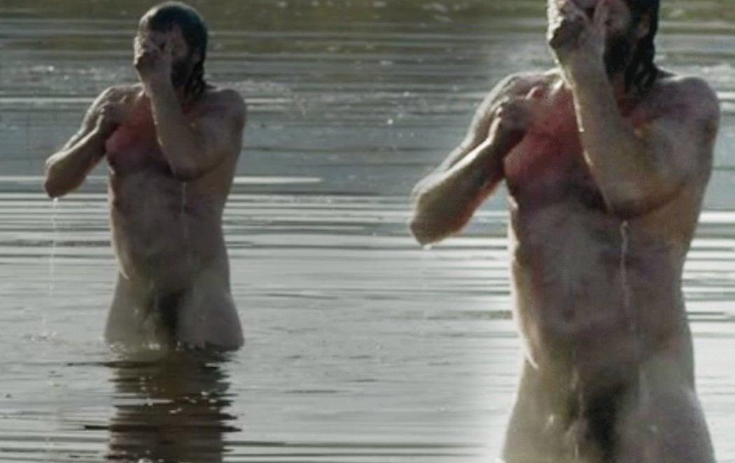 Chris Pine enseña el pene en 'El rey proscrito'