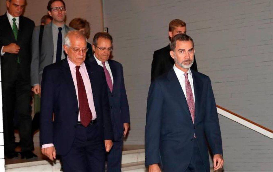 Felipe VI reivindica a su padre como principal impulsor de la democracia en España
