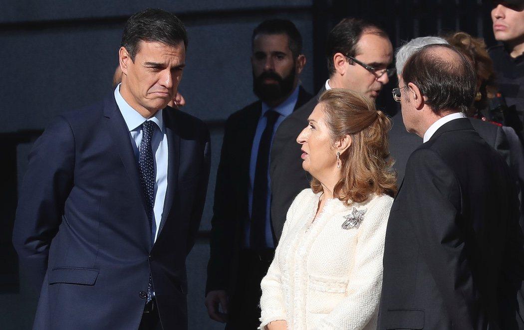 Abucheos a Pedro Sánchez a su llegada al Congreso por el 40 aniversario de la Constitución
