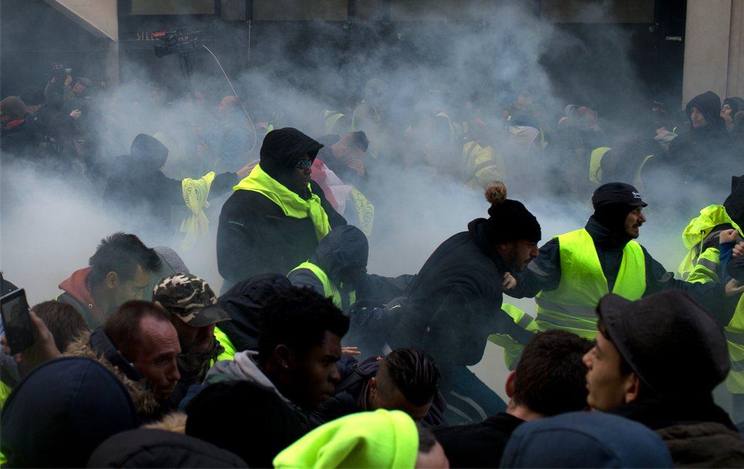 Más de 700 detenidos en Francia en la nueva protesta de los 'chalecos amarillos'