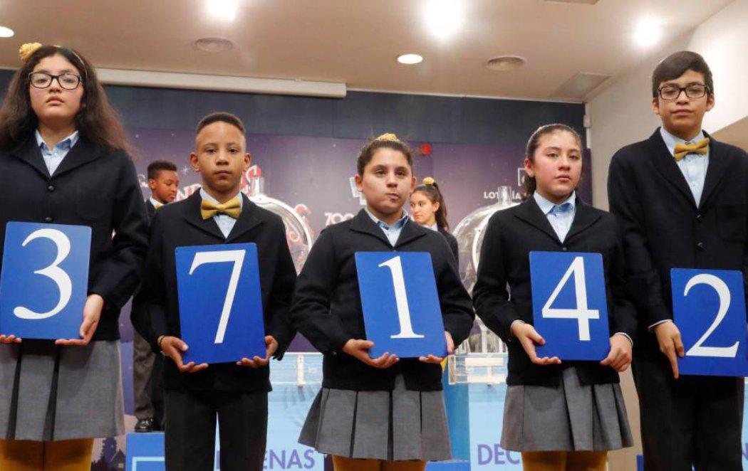 Lotería del Niño: 37.142, el primer premio, cae íntegro en Barcelona