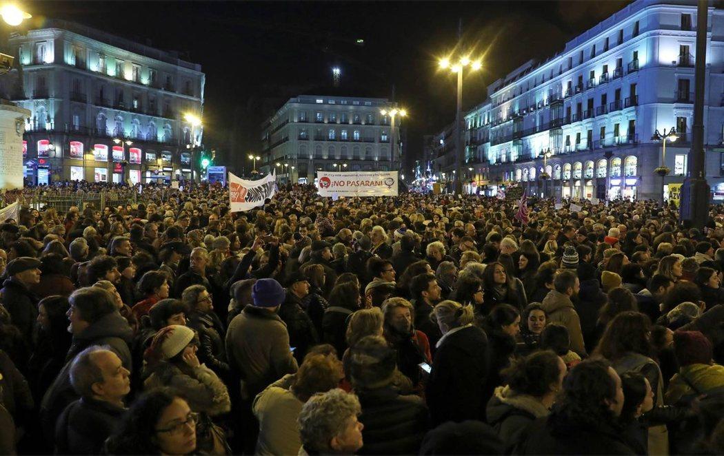España se tiñe de violeta: mareas feministas contra VOX
