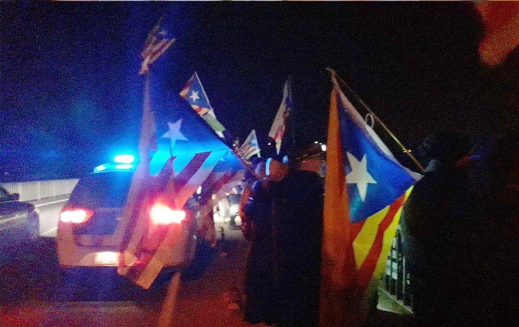 Tensión durante el traslado de los presos del procés hacia una cárcel madrileña antes del juicio