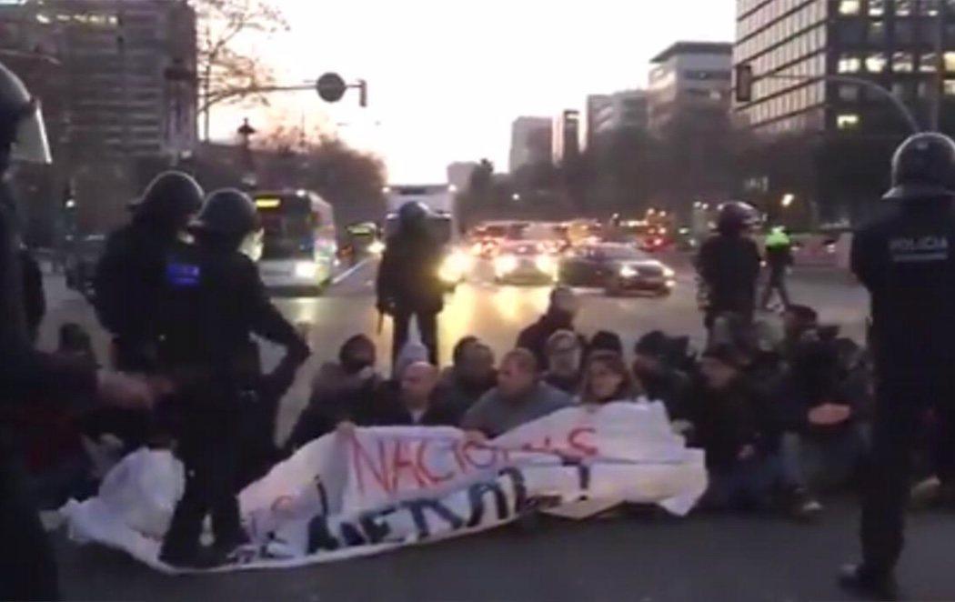 'Pinchazo' de la huelga general convocada por el independentismo en Cataluña