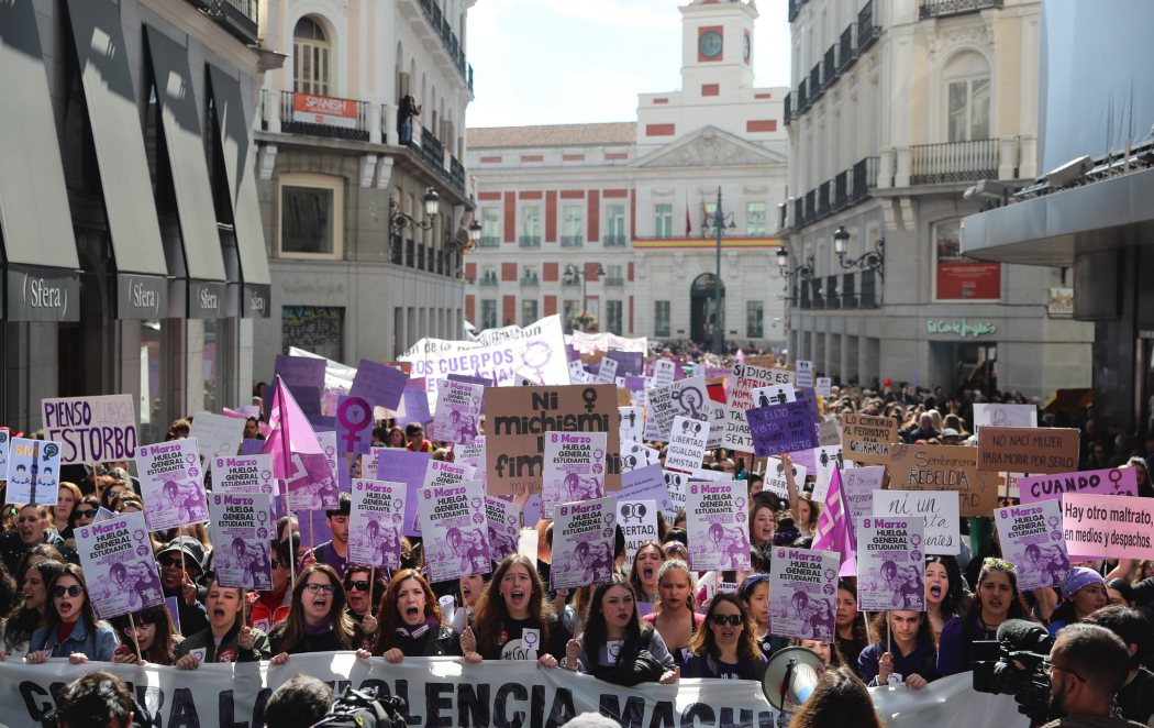 La huelga feminista del 8M tiñe a España de violeta