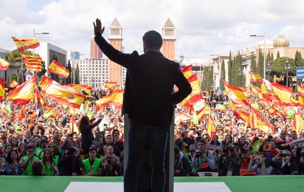 Abascal se manifiesta en Barcelona prometiendo ilegalizar partidos políticos y organizaciones