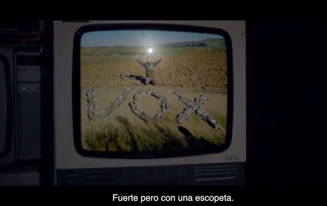 """Pacma carga contra Abascal en el estreno de su campaña: """"Valiente cobarde con tu manada"""""""