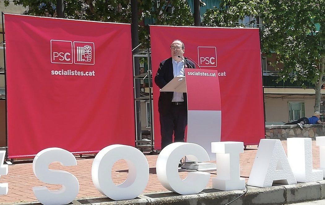 """Iceta la lía en un mitin en Montmeló: """"Vuelve Mariano, quítanos al fraCasado"""""""