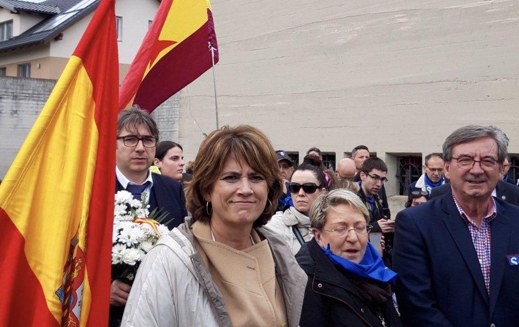 """La ministra Delgado huye de un homenaje en Mauthausen al gritar que hay """"presos políticos"""" en España"""