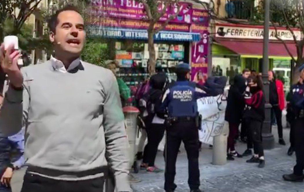 """Boicotean un acto de Ciudadanos en Lavapiés: """"¡Fuera, fascistas!"""""""