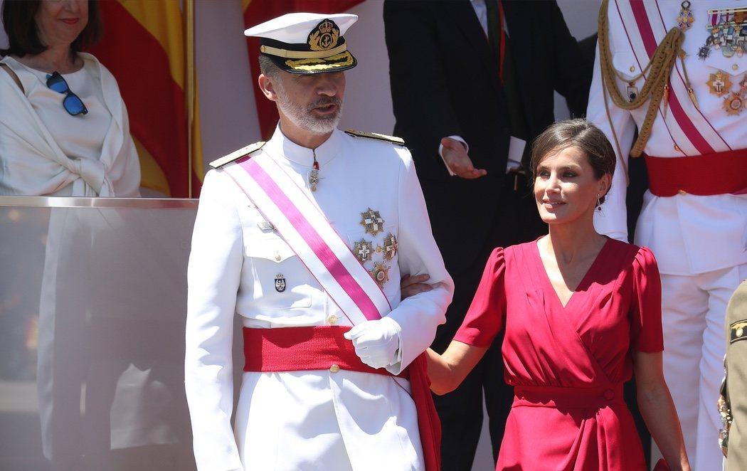 Multitudinario acto por el Día de las Fuerzas Armadas en Sevilla en homenaje a los 173 caídos en misiones en el exterior