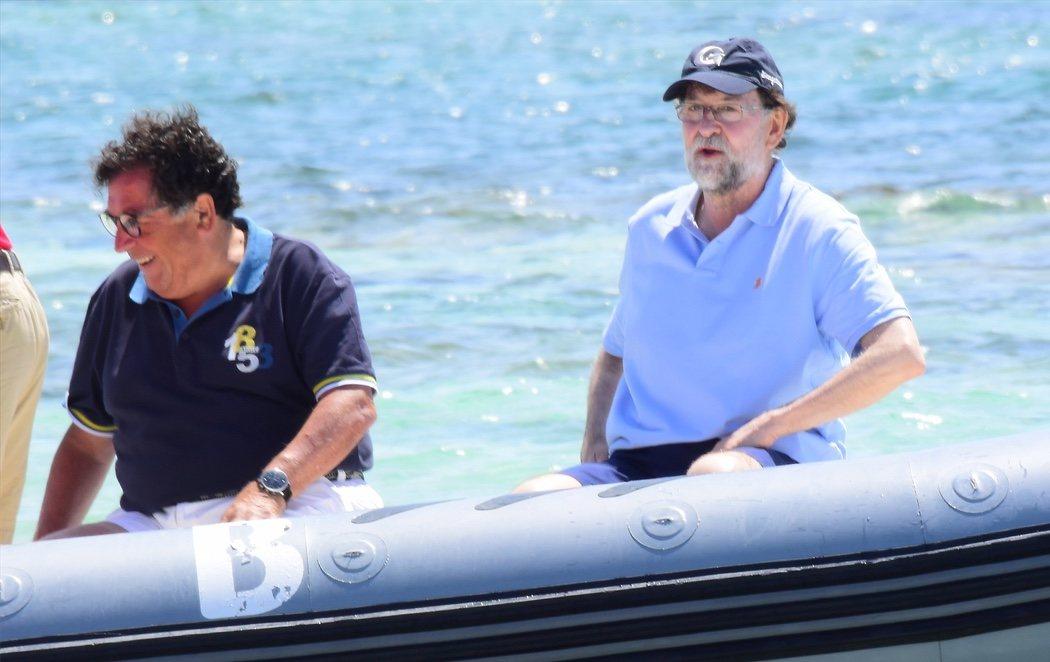 Mariano Rajoy se 'desmelena' en Ibiza entre yates y mojitos